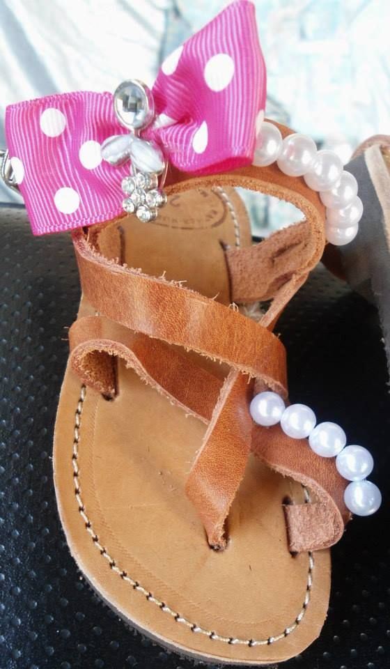 handmade baby sandals with pink dot bow,strass flower and pearls only for little princess #summer #sandals #bow #pink #pearls #χειροποιητα #σανδαλια #κοριτσια #babygirls #handmade