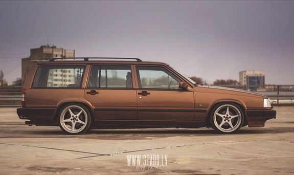 Brown never looked so good. Great 945 example. | Volvo 900 series | Volvo, Volvo 740, Volvo v70r