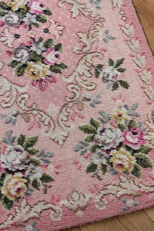 1940s rosy rug...Grama Nell hand hooked a wool rug very much like this...it was in the parlor with her Victorian  tree. Pink!  WANT!!