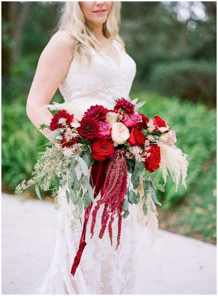Red and white bohemian bouquet by Ever After Vintage Weddings || The Ganeys