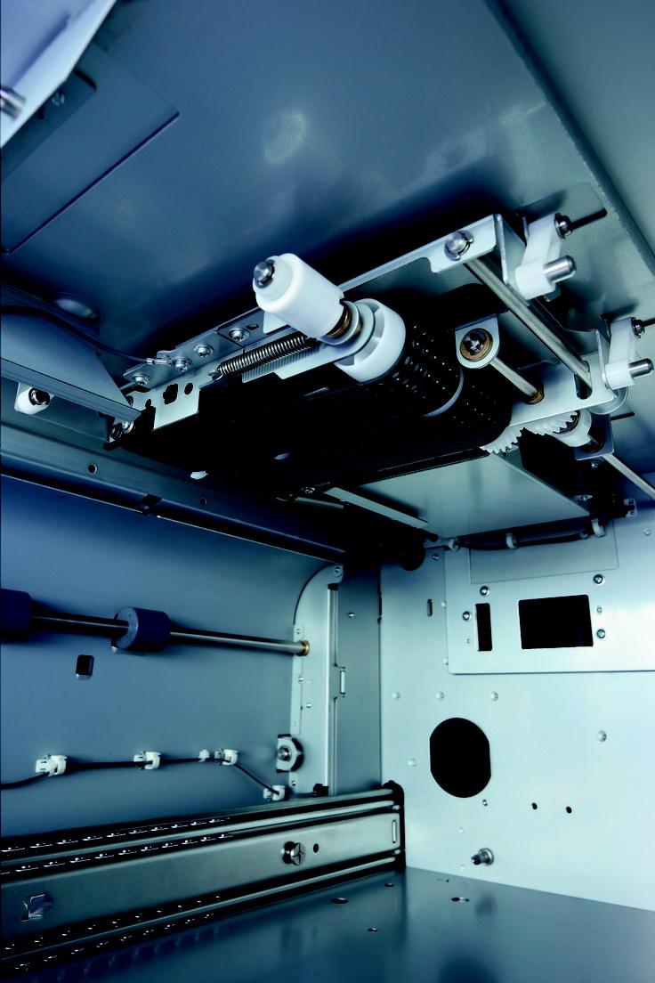 Konica Minolta bizhub PRESS C8000 - air suction belt. http://www.biz.konicaminolta.com/production/c8000/index.html