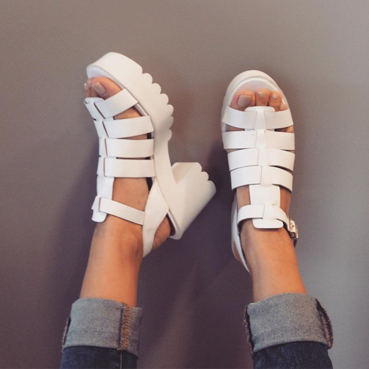 Ver esta foto do Instagram de @smidtshoes • 228 curtidas chunky sandals plataforma grunge