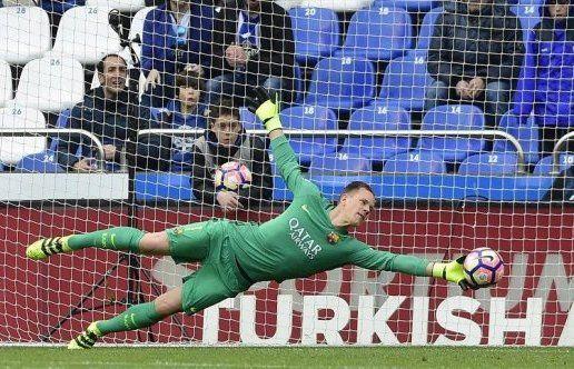 L'Allemand Marc-Andre Ter Stegen, le gardien de but du Barça  a encaissé deux buts.