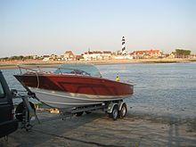 Poncelet : wooden boat / bateaux en bois / houten boten