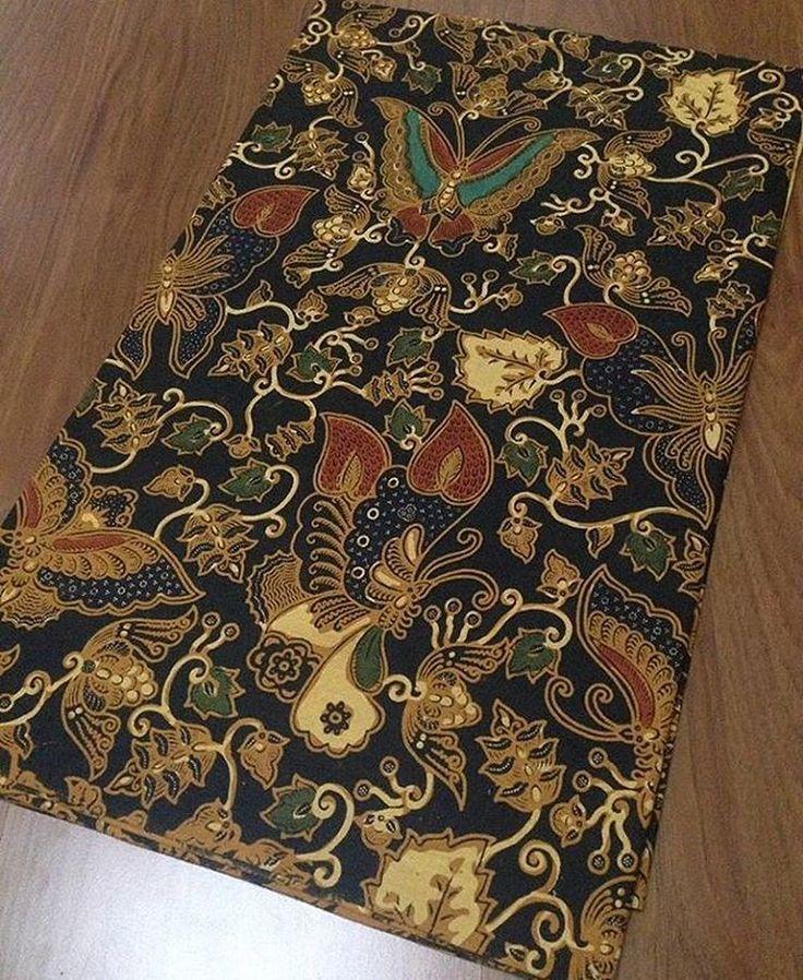 Batik tolet alusan 230x110 @110.000 Ambil banyak harga grosir Minat WA 0819-821764 Line Lechis #batikmodern #seragamkeluarga #seragamnikah #seragammanten #embos #jualkain #jualkainbatik #kain
