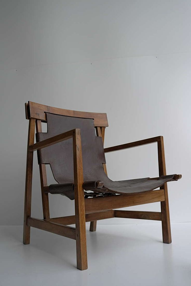 Anonymous wood and leather armchair c1930 muebles for Sillas para viejitos
