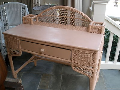 Shabby yet Chic Georgia peach antique vintage wicker desk $199 - 172 Best Wicker Images On Pinterest Beautiful, Bedrooms And Garden