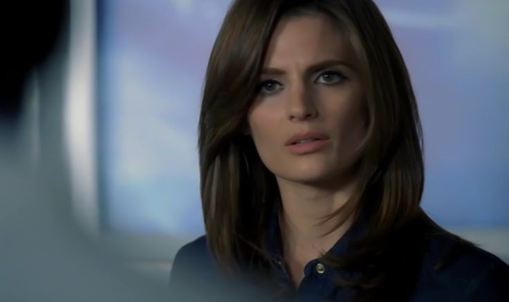 Kate Beckett Short Hairstyle Google Search Hairs T