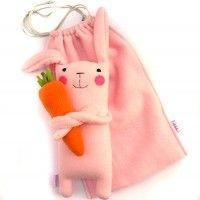 Zając z marchewą, zabawki