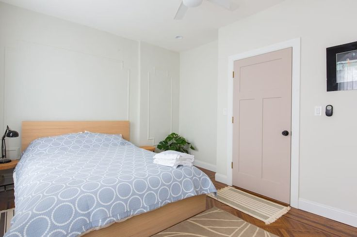 Beautiful Apt in Bed-Stuy, Brooklyn - Apartments for Rent in Brooklyn - Get $25 credit with Airbnb if you sign up with this link http://www.airbnb.com/c/groberts22