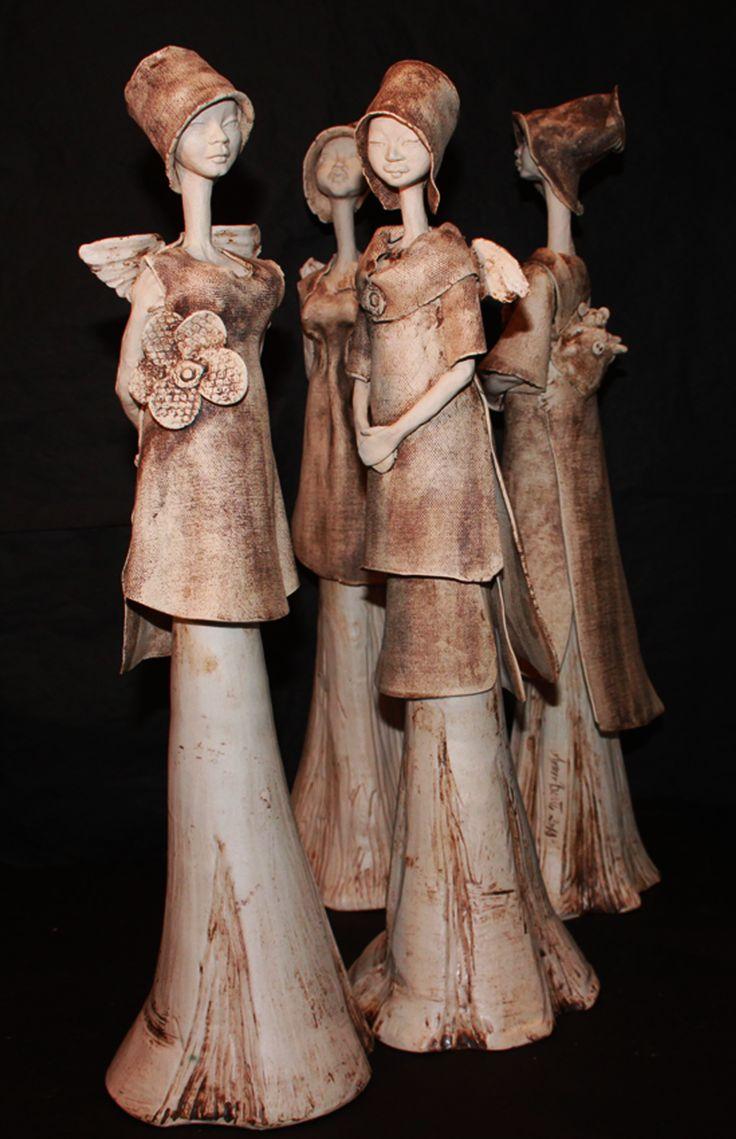 Forside   Keramikk-Kopp-Krukke-Mugge-Fat-Vase-Skål-Lysestake-Keramikkengler-Figur-pottemaker-Leire-Ceramic-pottery-clay