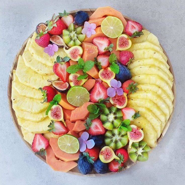 "1,547 Likes, 32 Comments - Rachel | Plant based | Fitness (@rachels.fit.kitchen) on Instagram: ""Double tap if you love fruit! I just can't get enough of sweet and juicy fruit platters! My…"""