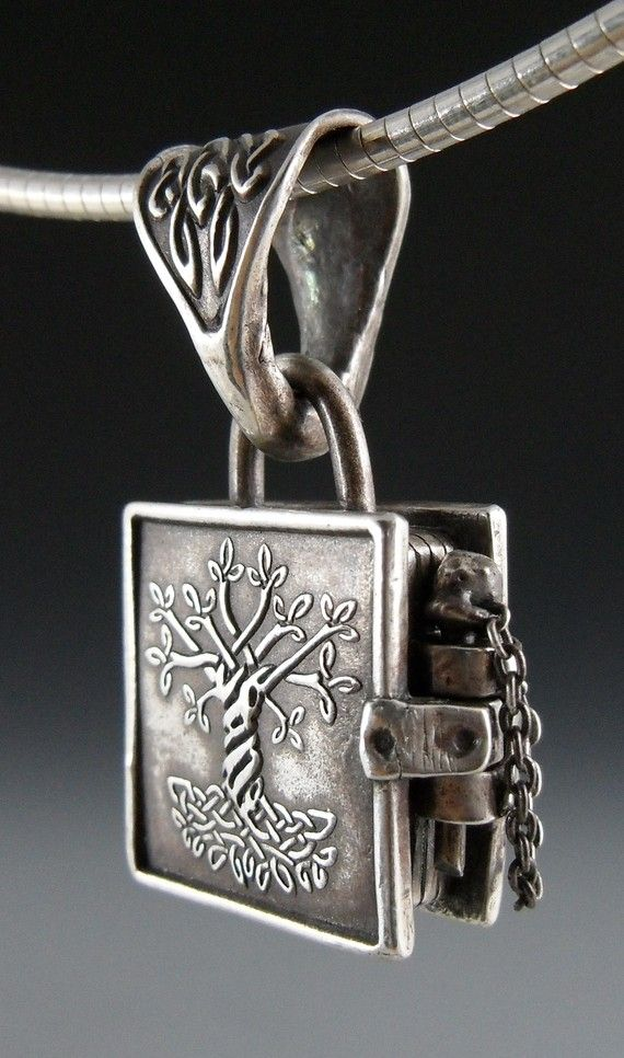 Tree book pendant: Kells Lockets, Style, Silver Lockets, Trees Of Life, Life Books, Jewelry, Books Of Kells, Things, Necklace