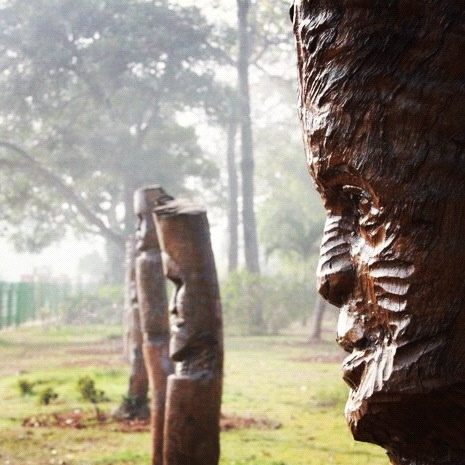 Talking of offering our city a phenomenal facelift from aesthetic standpoint, what are your thoughts on this? Any idea what these wooden statues are called? #bhubaneswar #odisha #orissa