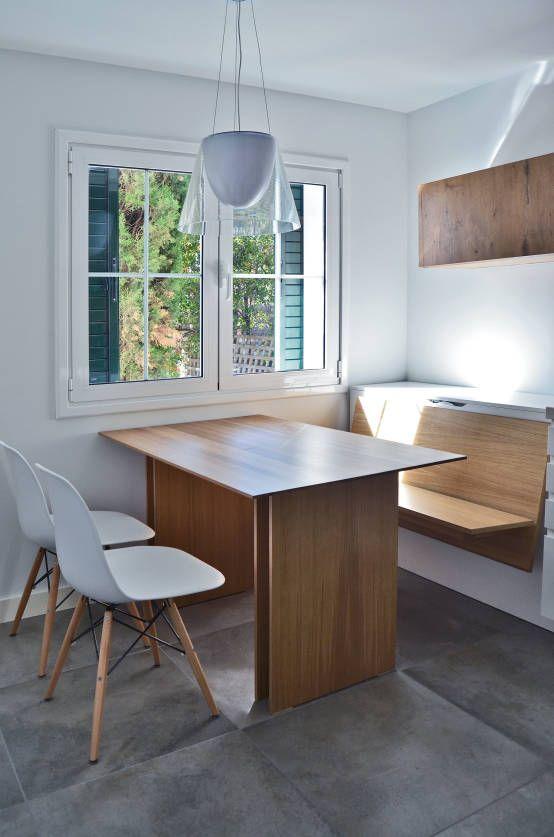 Expremiendo cada rincon : Mesas, sillas y bancos de ACA.Alfonso Cort Arquitecto