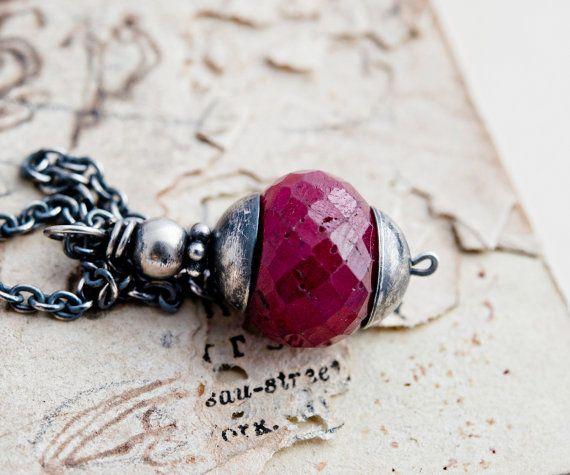 Collana di rubini, luglio Birthstone, ciondolo rubino, pietra preziosa, pendente collana, argento, regalo di Natale, PoleStar, anticato