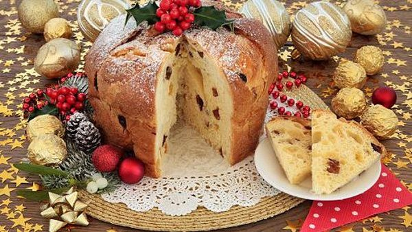 the Panettone and Pandoro-Italy