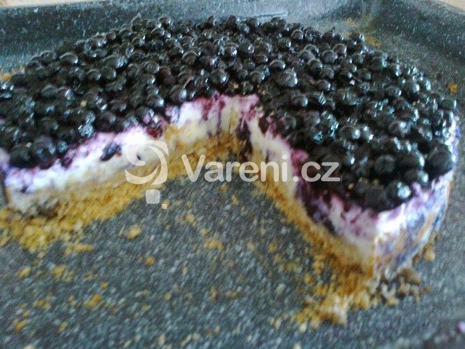Snadný recept na lahodný cheesecake s borůvkami. Vareni.cz - recepty, tipy a články o vaření.
