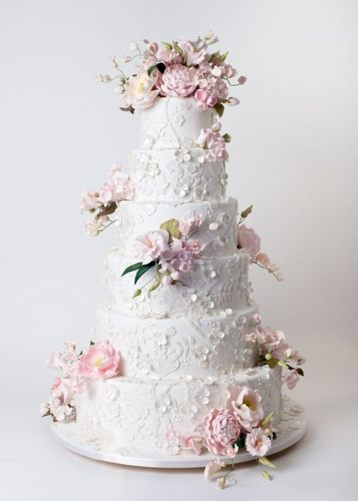 nice 49 Gorgeous Winter Wedding Cakes Ideas Trends in 2017  https://viscawedding.com/2017/11/12/49-gorgeous-winter-wedding-cakes-ideas-trends-2017/