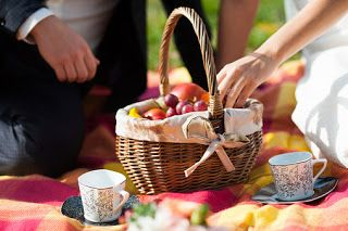 "MyMatriMoney: Wedding picnic, le nozze ""al sacco"" costano la met..."
