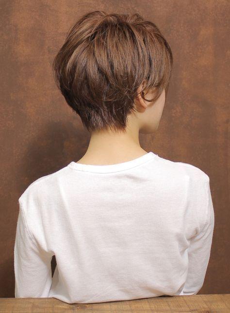 大人の外ハネシルエットショート(髪型ショートヘア)