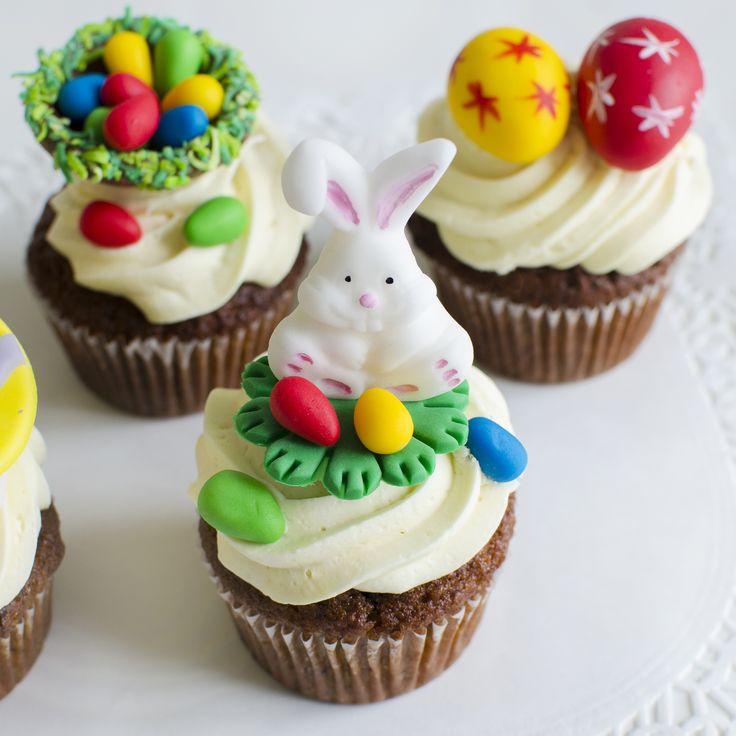 Pentru ca masa festiva de Paste sa fie colorata si indulcita, noi am pregatit  cupcake-uri personalizate pentru aceasta sarbatoare magica.  Pret: 11 lei/ buc.