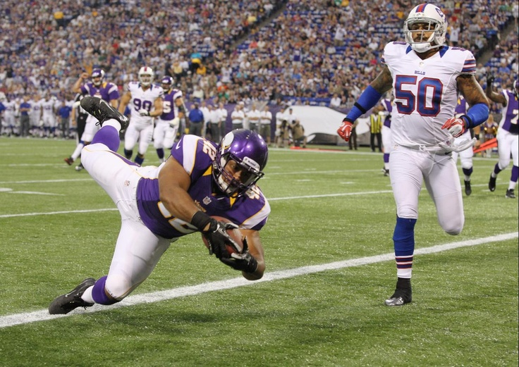 At last regular season is here and I can do my nfl football betting already! But first let's take a look back at what happened at the Preseason. Check out Minnesota Vikings running back Jerome Felton (42) scores a touchdown as Buffalo Bills linebacker Nick Barnett (50) looks on in the first half of an NFL preseason football game.  Visit: http://www.sportsbook.ag/football-betting/NFL/
