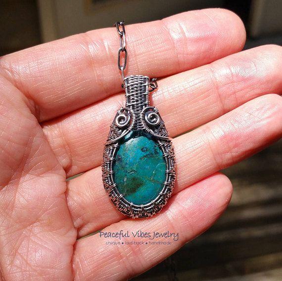 CIONDOLI IN PIETRA NATURALE Natural stone pendants CORDINO