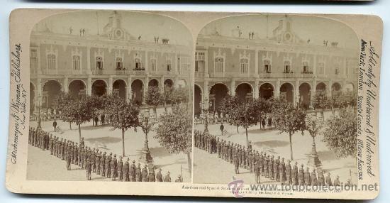 SOLDADOS ESPAÑOLES Y SOLDADOS AMERICANOS EN LA CAPITANIA GENERAL HABANA GUERRA DE CUBA 1899 ORIGI - Foto 1