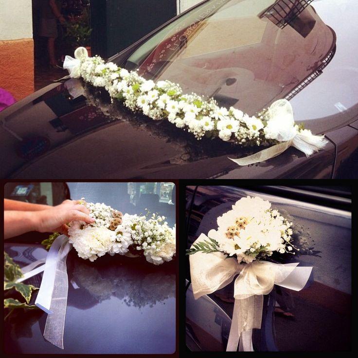 Bridal car/ coche de novios   #sitgeswedding #wedding #floral #floweshop #flowershopsitges #flowerarrangement #sitges #bodasitges #arreglosflorales #flores #flors #decor #casaments #bodas #flowers #weddingdetails #car #bridalcardecor #sitgesbodas