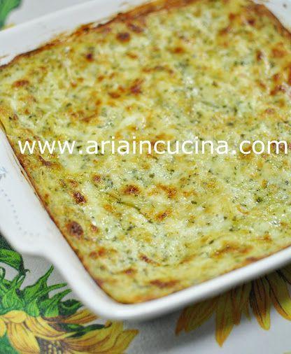 Lasagne con pesto leggero, mozzarella e prosciutto cotto
