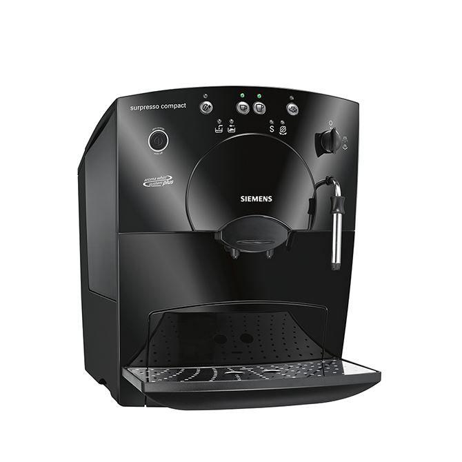 Siemens TK53009  Siemens TK3009: Voor goede koffie Voor iedereen die houdt van een lekker vers kopje koffie is de Siemens TK53009 een aanwinst. Dit espresso apparaat is simpel te bedienen door middel van 4 knoppen en je kan er toch meerdere koffiespecialiteiten mee maken of het nu een krachtige espresso is of een romige latte macchiato. Met het stoompijpje warm je melk of chocolademelk op of je maakt een stevig schuim voor op jouw cappuccino. Dankzij een aantal innovatieve schoonmaakfuncties…