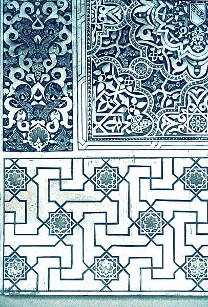 Image SPA 2803 featuring decorated area from the Alhambra, in Granada, Spain, showing Geometric Pattern and Floriated Arabesque using stucco or plasterwork.