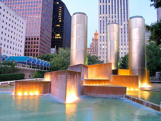 Houston, TX: The fountains within Tranquility Park