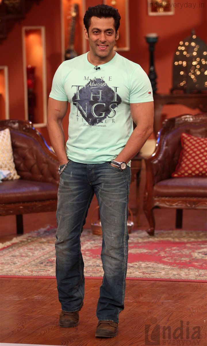 Salman Khan Promotes Jai Ho in Comedy Nights With Kapil