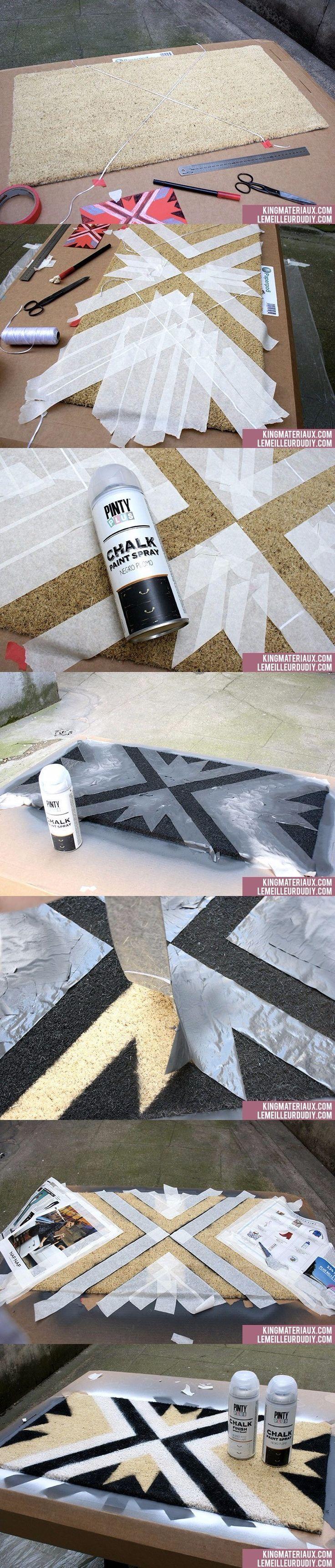Tapete pintado con diseño geométrico - lemeilleurdudiy.com - DIY Painted Doormat