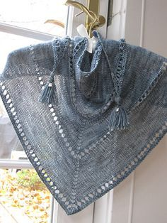 knitted with beads Free Pattern..FREE PATTERN ♥ 4300  FREE patterns to knit ♥ http://pinterest.com/DUTCHYLADY/share-the-best-free-patterns-to-knit/