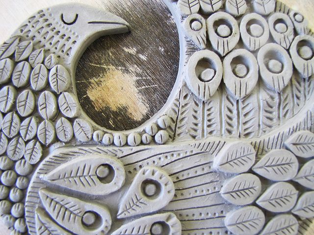 bird plaque by Dancing Kangaroo, via Flickr