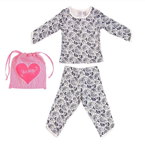 When the weather gets a little chilly, you want to know your little ones have the comfiest pyjamas to wear every night. We love our new Bamboo Snug Fit Girls' Pyjama Set in Navy Paisley!
