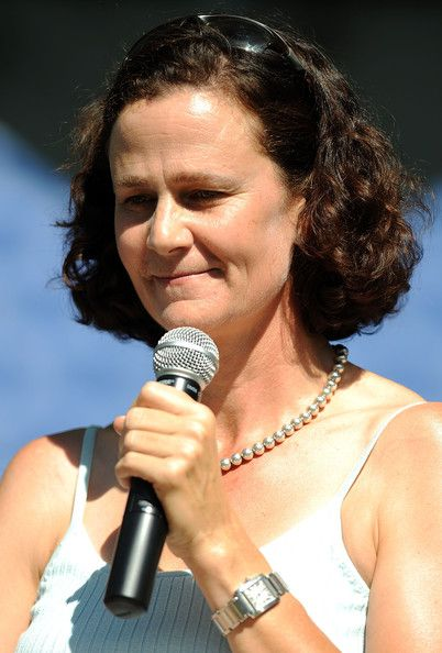 Former American professional Tennis player and currently broadcaster for ESPN, Pam Shriver was born on July 4, 1962