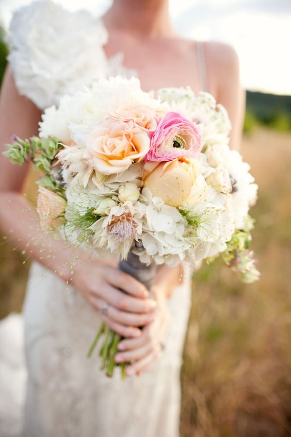 i love the muted colors and the big flowers!