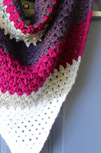Easy to follow beginner friendly free pattern for a crochet triangle scarf.