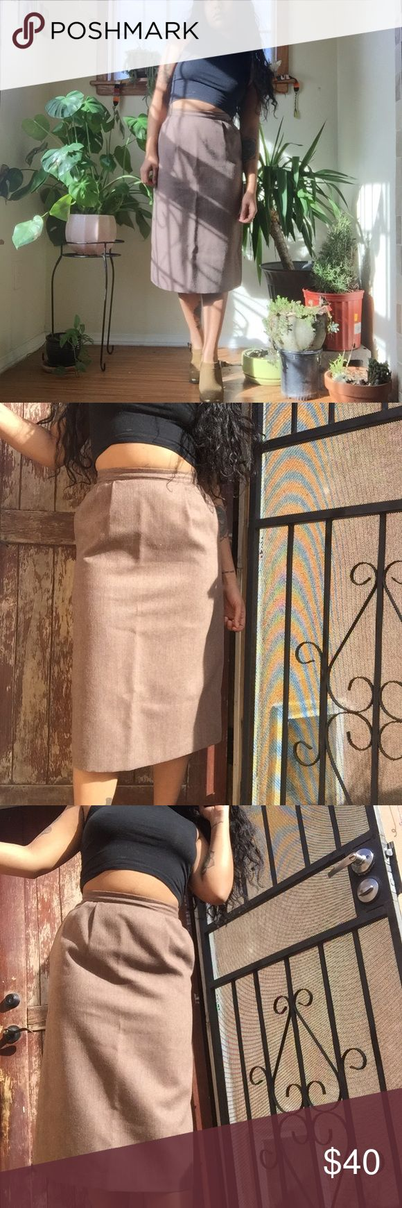 """Vintage Wool Pencil Skirt ✋🏿made in USA  ✋🏿zipper and hook closure at the center of the back ✋🏿two side slit pockets ✋🏿fully lined ✋🏿24"""" waist  ✋🏿high waist fit  ✋🏿midi length  ((The reformation, vintage, pin up, office, classic, 50s, Flynn skye, asos, madewell, feminine, amour Vert, dollskill, modcloth, garmentory, chanel, burberry)) Skirts Pencil"""