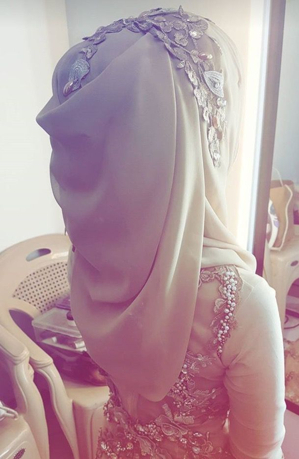 Hijab drape