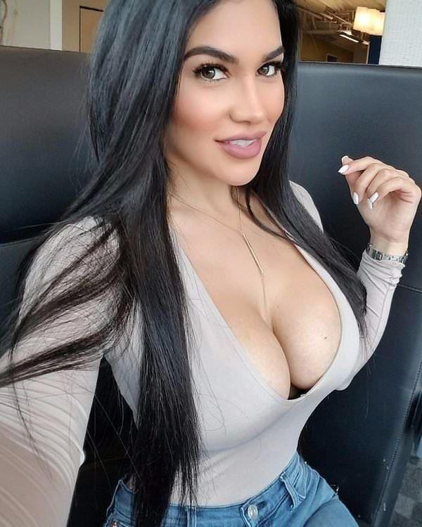 Men sucking womens nipples