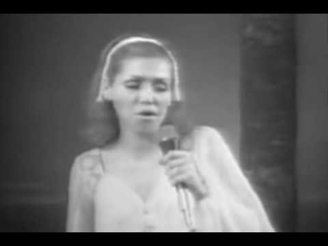 Estela Nuñez - Una Lágrima - YouTube