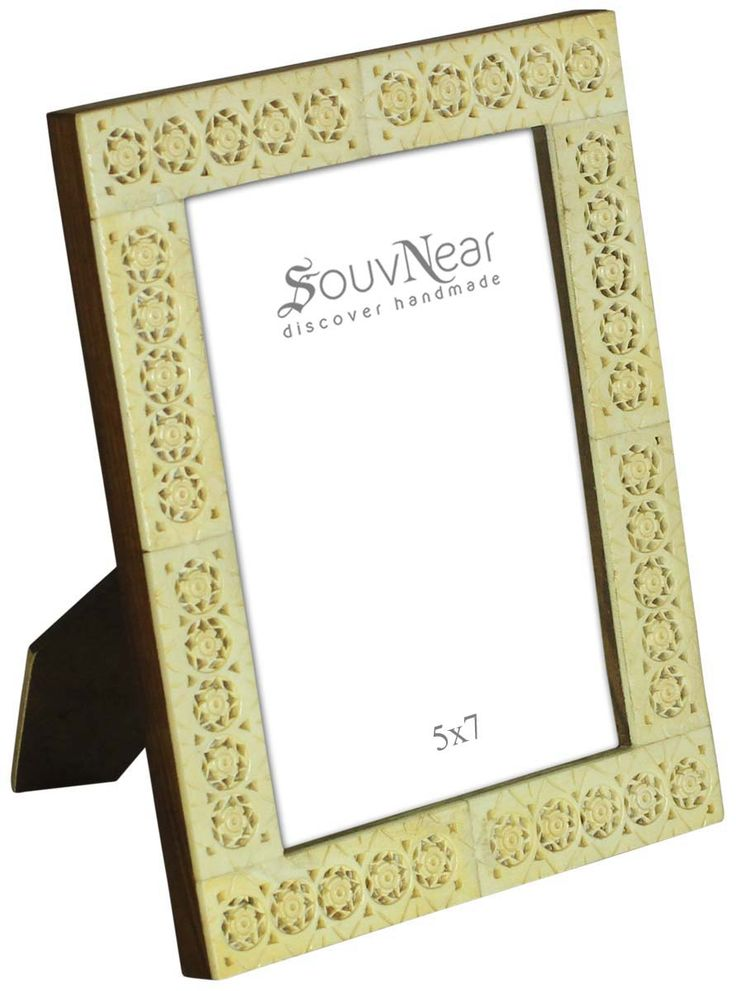 Bulk Wholesale Off-White Picture Frame in Wood & Bone Inlay – 5x7 Handcrafted Photo Stand with Piercing in Floral Pattern – Organic Home Décor Accessories / Thoughtful Gifts from India