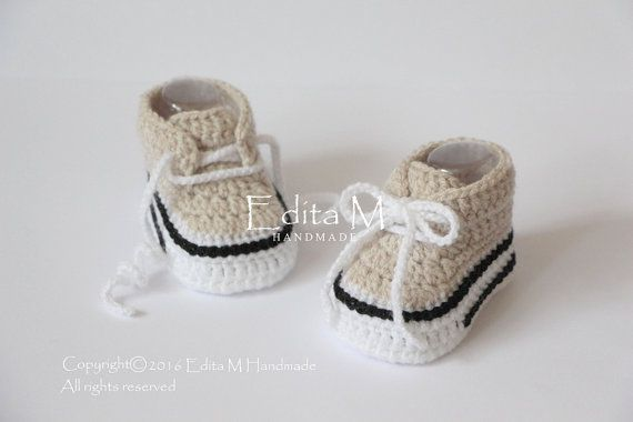 Crochet baby sneakers, baby shoes, boots, booties, newborn, light tan, white, black, baby first shoes, gift idea, baby announcement, cute