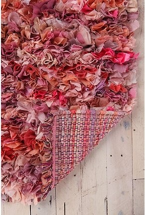 Mixed Media shag rug: Rag Rugs, Urban Outfitters, Crafts Ideas, Media Shag, Pink Rug, Area Rugs, Mixed Media, T Shirts, Shag Rugs