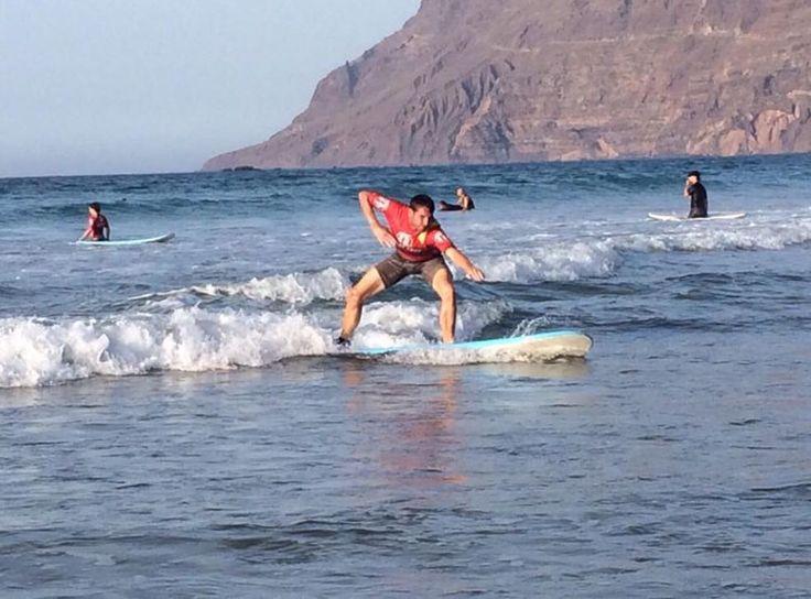 Una #historia de #superación con nuestros gran amigo Jose Luis García (Jota) .#Paraolimpicos del #Surfing  Buena sesión de surf y Disfrutando de una gran #experiencia y muy g#ratificante con nuestro amigo Jota con una #discapacidad al no tener vista  pero disfrutando del #surf al 100% una gran persona y ejemplo para muchos ... Fuerte abrazo gran amigo #Jota  A# story of overcoming our great #friend Jose Luis Garcia (Jota) .Paraolimpicos Surfing #Good surfing session and enjoying a great…